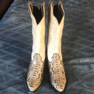 Durango cowgirl boots brand new size 6